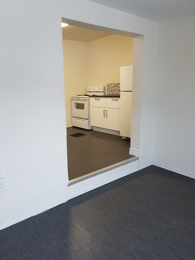 2-77 Sherbrook St.,Winnipeg,Manitoba,3 Bedrooms Bedrooms,1 BathroomBathrooms,Duplex,Sherbrook St.,1078