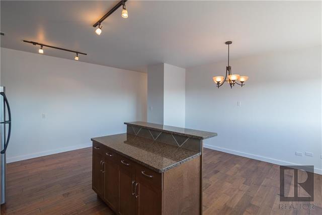 802-139 Roslyn Rd.,Winnipeg,Manitoba,2 Bedrooms Bedrooms,1 BathroomBathrooms,Condo,Roslyn Rd.,1086