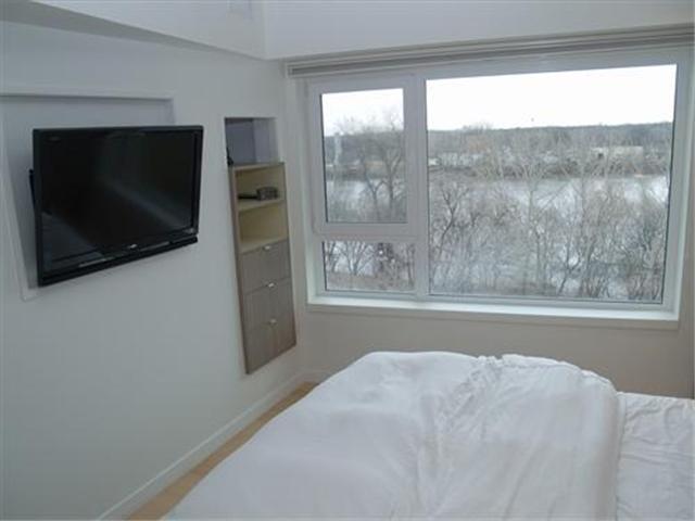 502-300 Waterfront Dr.,Winnipeg,Manitoba,1.5 Bedrooms Bedrooms,2 BathroomsBathrooms,Condo,Waterfront Dr.,1104