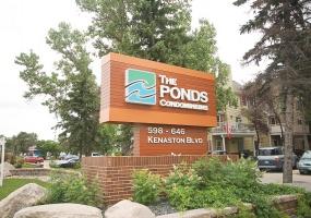 2-598 Kenaston Blvd,Winnipeg,Manitoba,1 Bedroom Bedrooms,1 BathroomBathrooms,Condo,Kenaston Blvd,1113