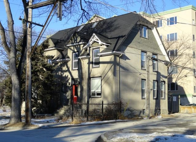 154 Lower Scott St.,Winnipeg,Manitoba,1 Bedroom Bedrooms,1 BathroomBathrooms,Triplex,Scott St.,1136