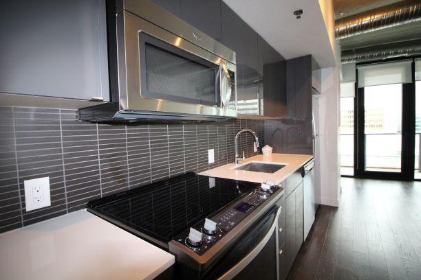 1005-311 Hargrave St. Winnipeg,Manitoba,2 Bedrooms Bedrooms,1 BathroomBathrooms,Condo,Hargrave St.,1164