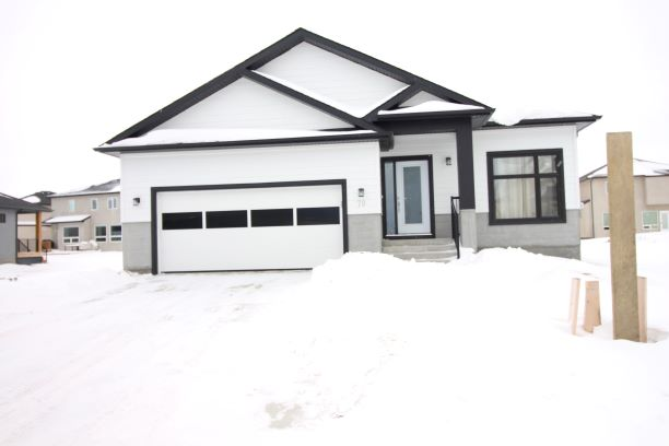 70 East Plains,Winnipeg,Manitoba,3 Bedrooms Bedrooms,2 BathroomsBathrooms,House,East Plains ,1188