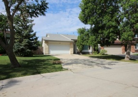 55 Tiverton Bay,Winnipeg,Manitoba,4 Bedrooms Bedrooms,3 BathroomsBathrooms,House,Tiverton Bay,1208