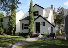 888 Mulvey,Winnipeg,Manitoba,2 Bedrooms Bedrooms,2 BathroomsBathrooms,House,Mulvey,1209