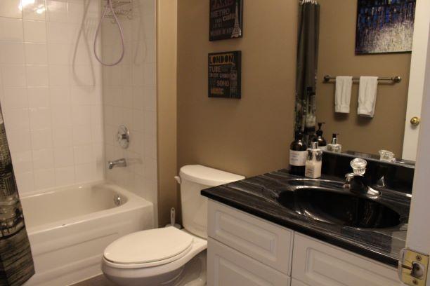 895 John Bruce Road East Winnipeg,Manitoba,3 Bedrooms Bedrooms,2 BathroomsBathrooms,House,John Bruce Road East,1212