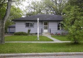 13 Glen Ave Winnipeg,Manitoba,3 Bedrooms Bedrooms,2 BathroomsBathrooms,House,Glen Ave,1223