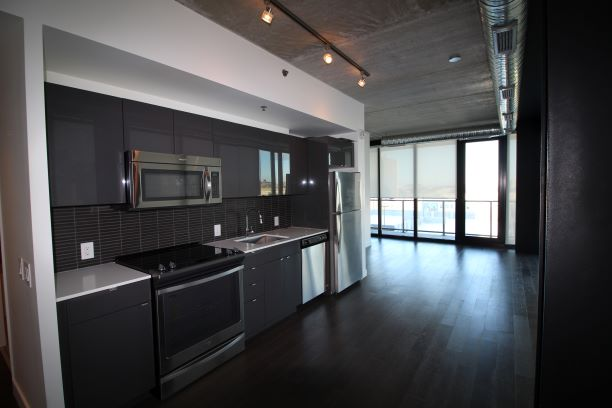 803-311 Hargrave Street,Winnipeg,Manitoba,2 Bedrooms Bedrooms,2 BathroomsBathrooms,Condo,Hargrave Street,1226
