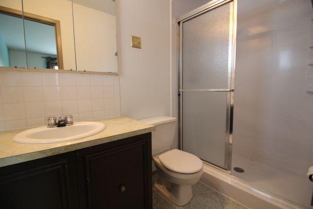 37 Cuthbertson Ave Winnipeg,Manitoba,4 Bedrooms Bedrooms,2.5 BathroomsBathrooms,House,Cuthbertson Ave,1231