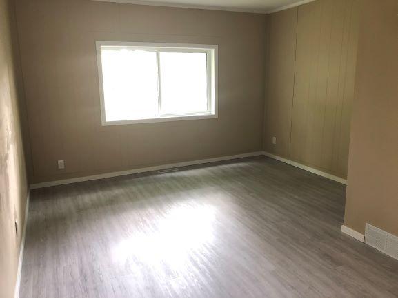 117 Inkster Blvd,Winnipeg,Manitoba,3 Bedrooms Bedrooms,1 BathroomBathrooms,House,Inkster Blvd,1250