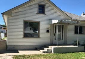 808 Burnell,Winnipeg,Manitoba,3 Bedrooms Bedrooms,1 BathroomBathrooms,House,Burnell,1253