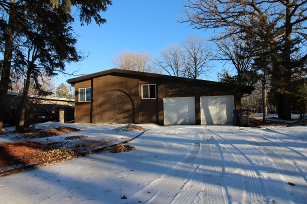 15 Armour Cres Winnipeg,Manitoba,5 Bedrooms Bedrooms,3 BathroomsBathrooms,House,Armour Cres,1273