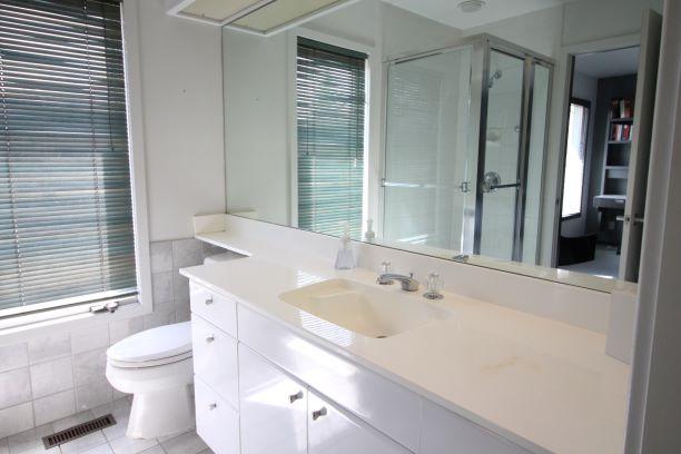 4-1800 Wellington Crescent,Winnipeg,Manitoba,2 Bedrooms Bedrooms,2 BathroomsBathrooms,Condo,Wellington Crescent,1286
