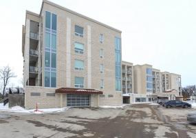 215-139 Tuxedo Winnipeg,Manitoba,2 Bedrooms Bedrooms,2.5 BathroomsBathrooms,Condo,Tuxedo,1290